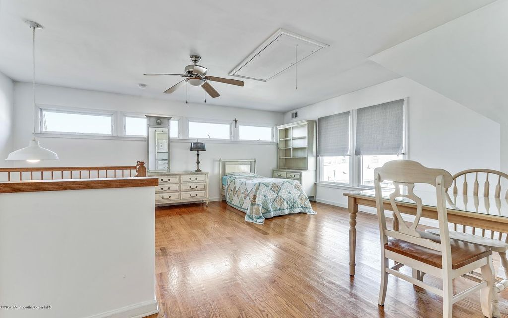 Additional photo for property listing at 234 Eisenhower Avenue 234 Eisenhower Avenue Ortley Beach, New Jersey 08751 États-Unis