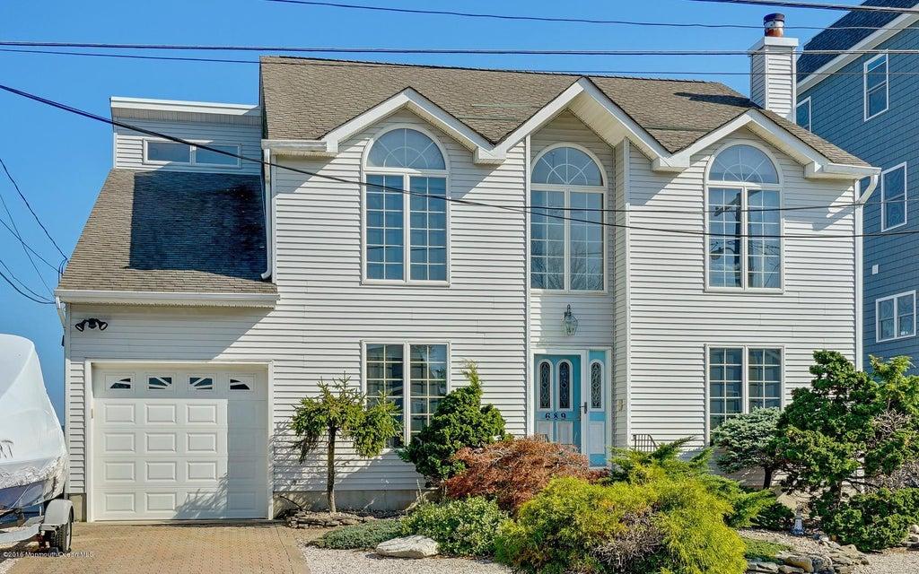 Casa Unifamiliar por un Venta en 689 Bayview Drive Toms River, Nueva Jersey 08753 Estados Unidos