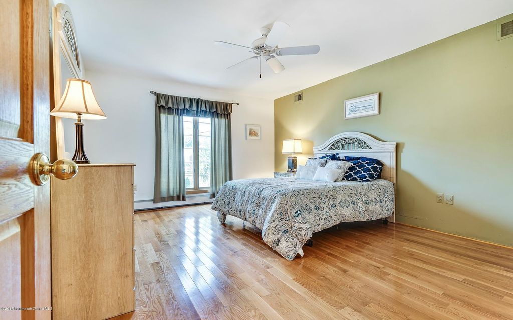 Additional photo for property listing at 689 Bayview Drive  Toms River, Nueva Jersey 08753 Estados Unidos