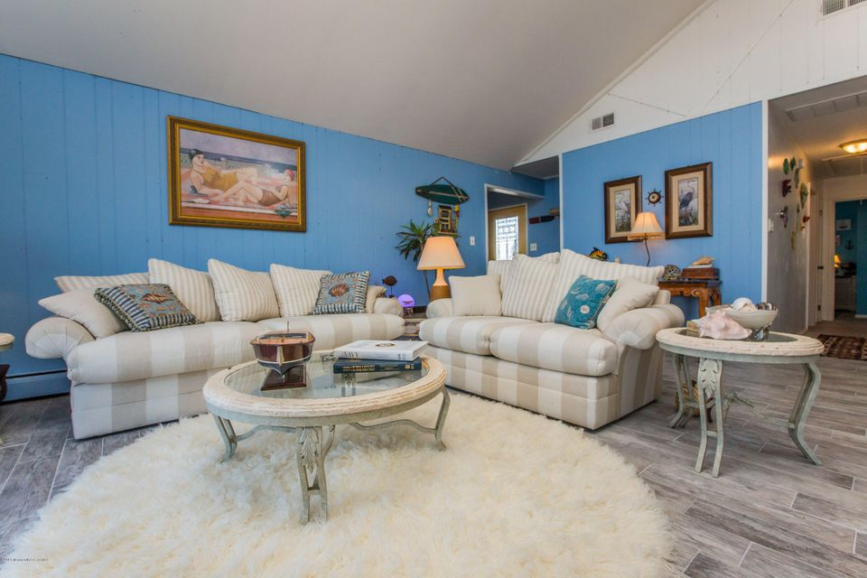 Additional photo for property listing at 16 Hunter Drive  Little Egg Harbor, Nueva Jersey 08087 Estados Unidos