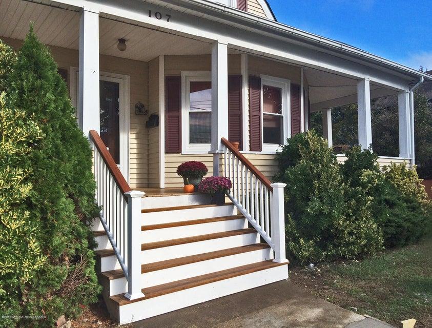 独户住宅 为 销售 在 107 Division Street 基波特, 新泽西州 07735 美国