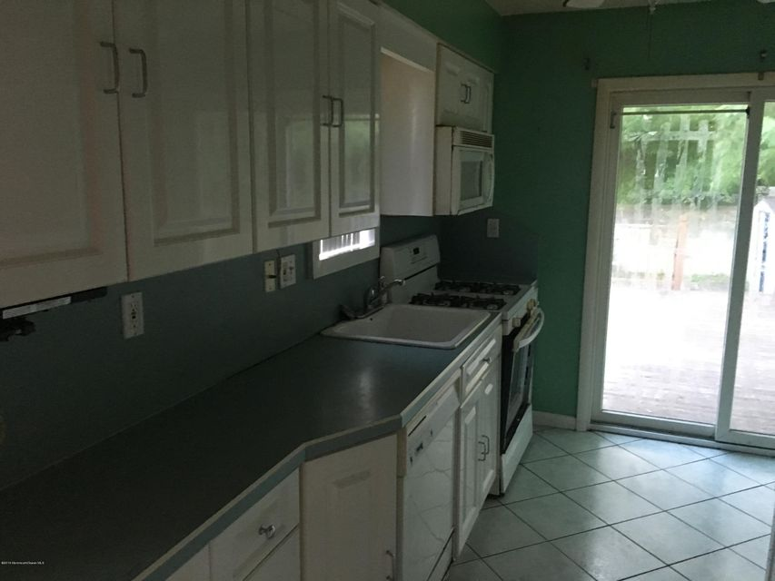 Additional photo for property listing at 11 Leroy Place  Keansburg, Nueva Jersey 07734 Estados Unidos