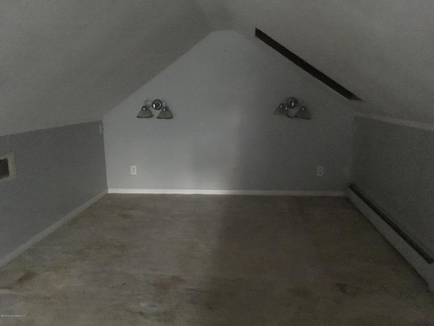 Additional photo for property listing at 11 Leroy Place  Keansburg, New Jersey 07734 États-Unis
