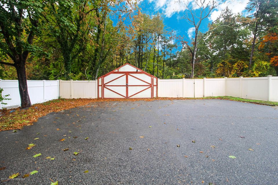 Additional photo for property listing at 2 Galassi Court  Jackson, New Jersey 08527 United States