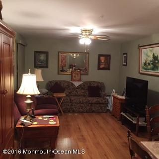 Additional photo for property listing at 76d William And Mary Sq Square  Freehold, Nueva Jersey 07728 Estados Unidos