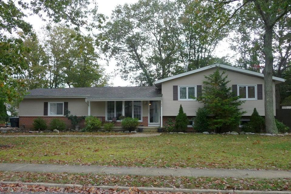 Maison unifamiliale pour l Vente à 99 Maine Street Toms River, New Jersey 08753 États-Unis