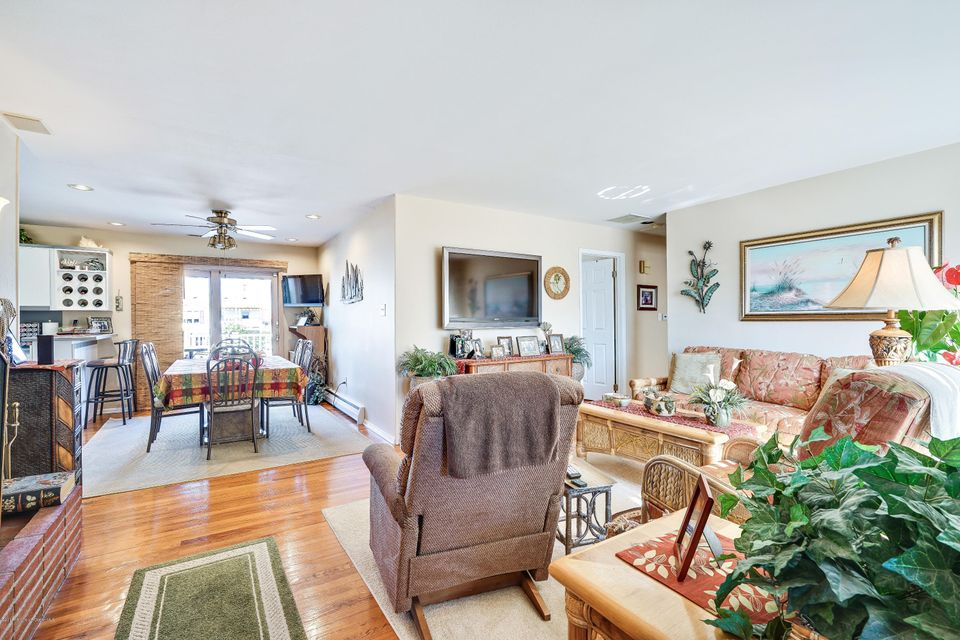 Additional photo for property listing at 32 Antiqua Avenue  Toms River, New Jersey 08753 États-Unis