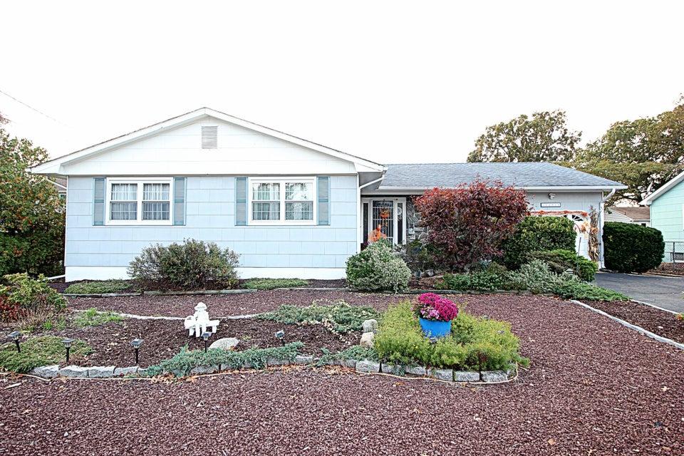 Maison unifamiliale pour l Vente à 1291 Linda Drive Toms River, New Jersey 08753 États-Unis
