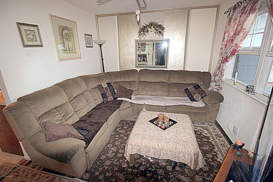 Additional photo for property listing at 1291 Linda Drive  Toms River, New Jersey 08753 États-Unis