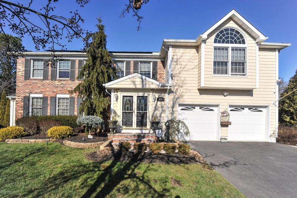 Maison unifamiliale pour l Vente à 18 Aqueduct Place Howell, New Jersey 07731 États-Unis
