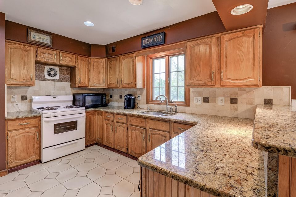 Additional photo for property listing at 23 Damascus Drive  Marlboro, New Jersey 07746 États-Unis