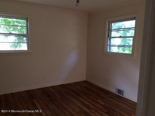 Additional photo for property listing at 309 Hemlock Drive  Neptune, New Jersey 07753 United States