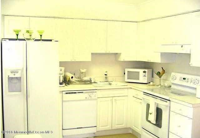 Additional photo for property listing at 1330 H Street  贝尔玛, 新泽西州 07719 美国