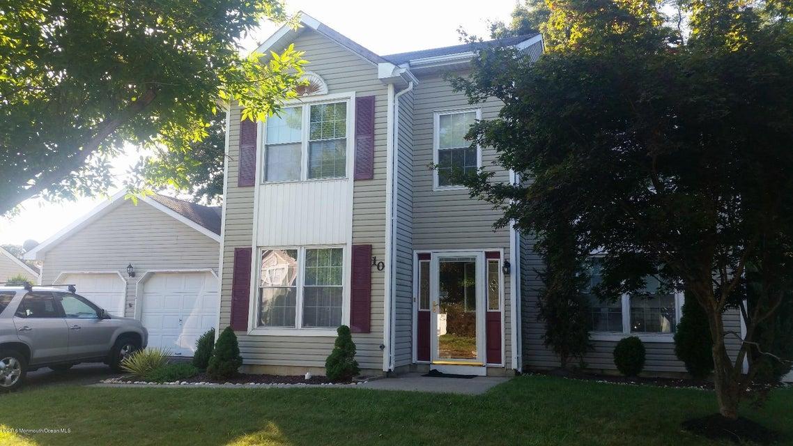 Maison unifamiliale pour l Vente à 10 Shadow Ridge Court Howell, New Jersey 07731 États-Unis