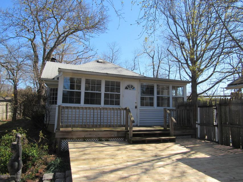 Additional photo for property listing at 717 1/2 Ashley Avenue  Brielle, New Jersey 08730 United States