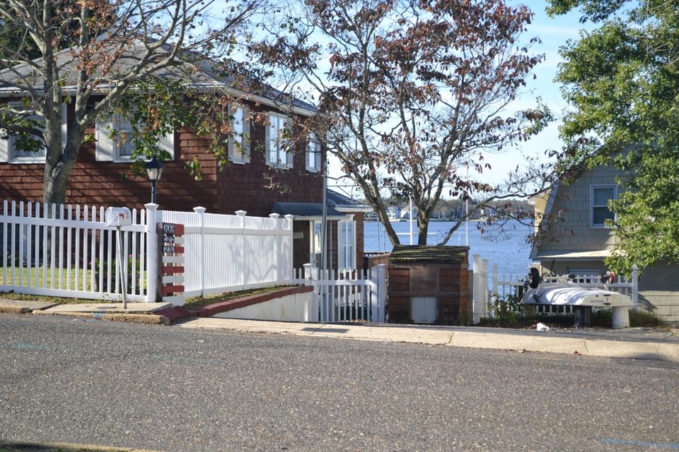 Additional photo for property listing at 1400 Holmes Avenue  Toms River, New Jersey 08753 United States