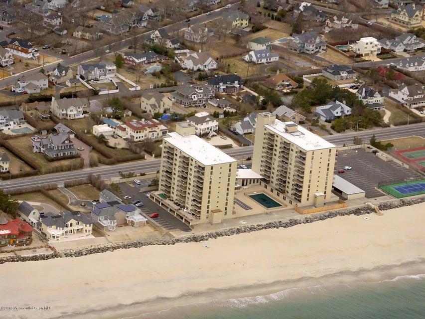 独户住宅 为 销售 在 45 Ocean Avenue 蒙莫斯郡, 新泽西州 07750 美国