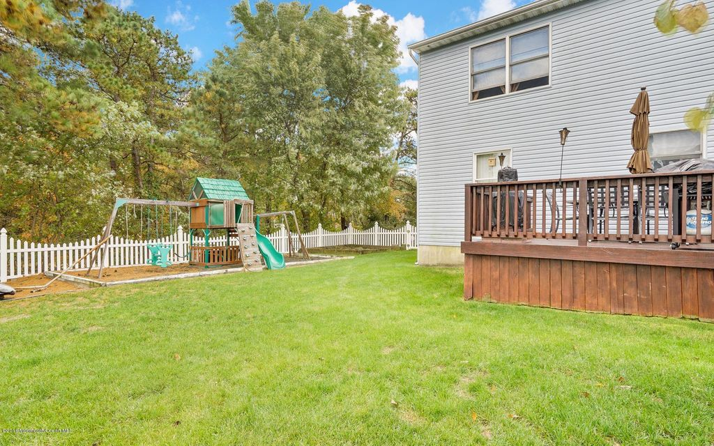 Additional photo for property listing at 124 E Street  Brick, New Jersey 08723 États-Unis