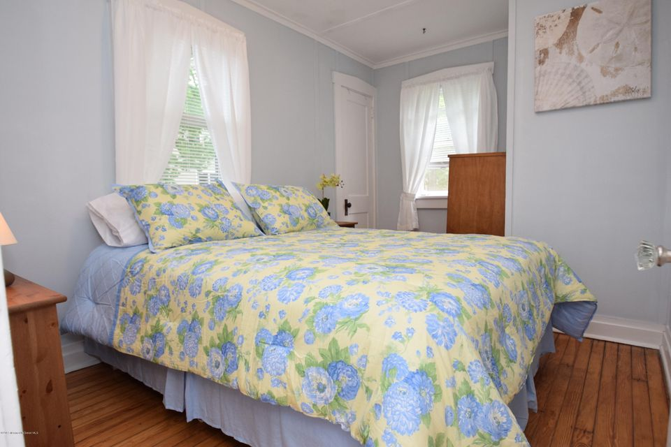 Additional photo for property listing at 104.5 Atlantic Avenue  Manasquan, 新泽西州 08736 美国