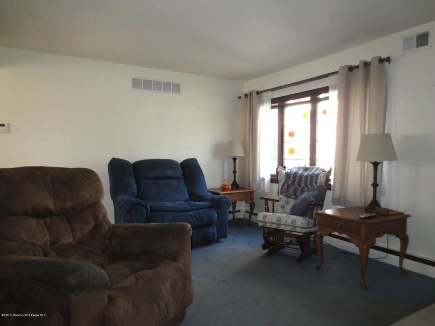 Additional photo for property listing at 18 Edgewater Drive  Matawan, Nueva Jersey 07747 Estados Unidos