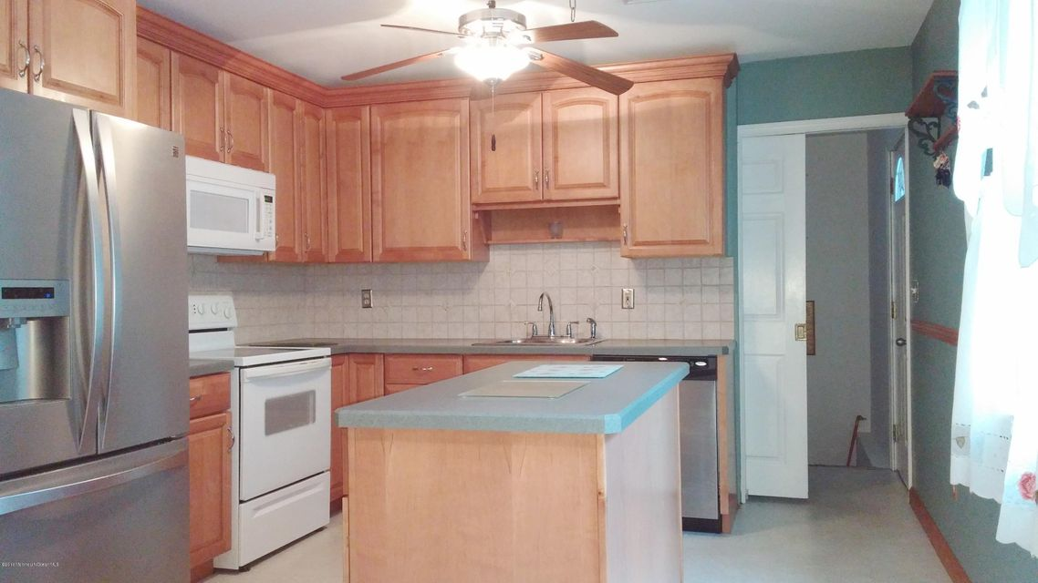 Additional photo for property listing at 483 Western Boulevard  Bayville, New Jersey 08721 États-Unis