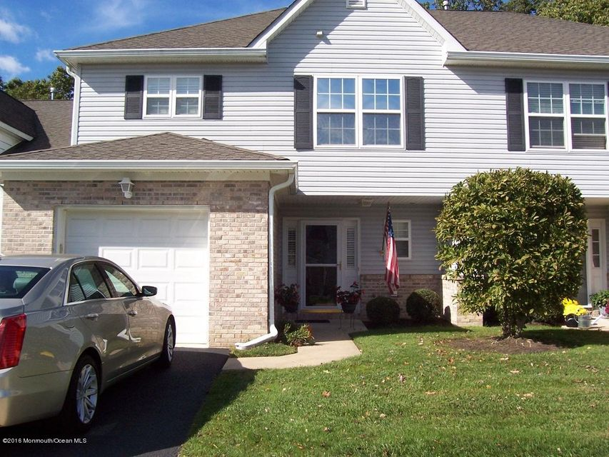 Single Family Home for Sale at 16 Lone Oak Way Eatontown, New Jersey 07724 United States