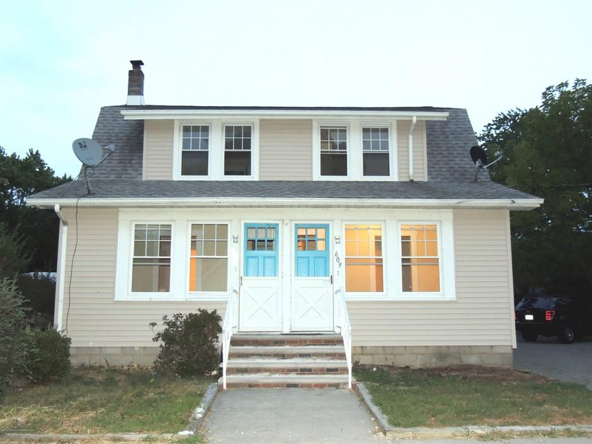 Multi-Family Home for Rent at 607 Navesink Avenue Ocean Gate, New Jersey 08740 United States