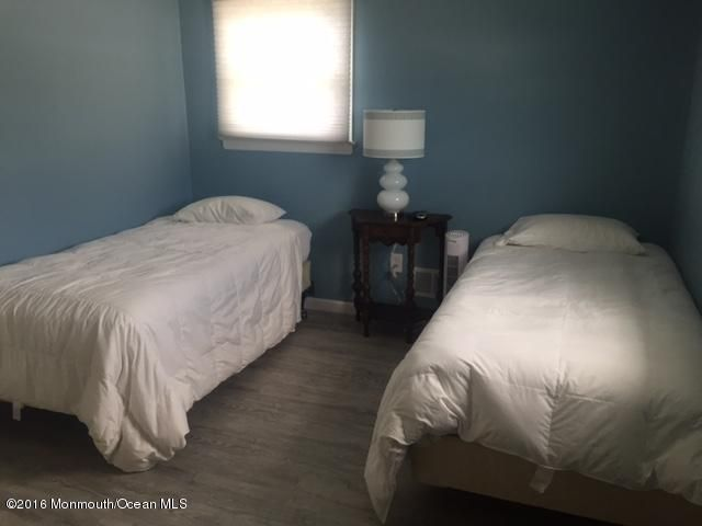 Additional photo for property listing at 113 Jacobsen Lane  Lavallette, New Jersey 08735 États-Unis