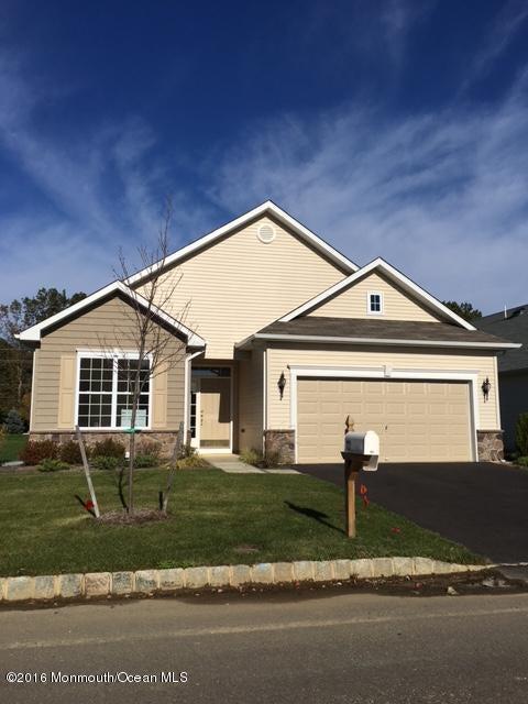 Maison unifamiliale pour l Vente à 103 Eagle Ridge Circle Lakewood, New Jersey 08701 États-Unis