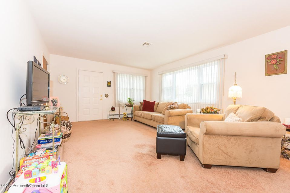 Additional photo for property listing at 72 Innsbruck Drive  Toms River, Nueva Jersey 08757 Estados Unidos