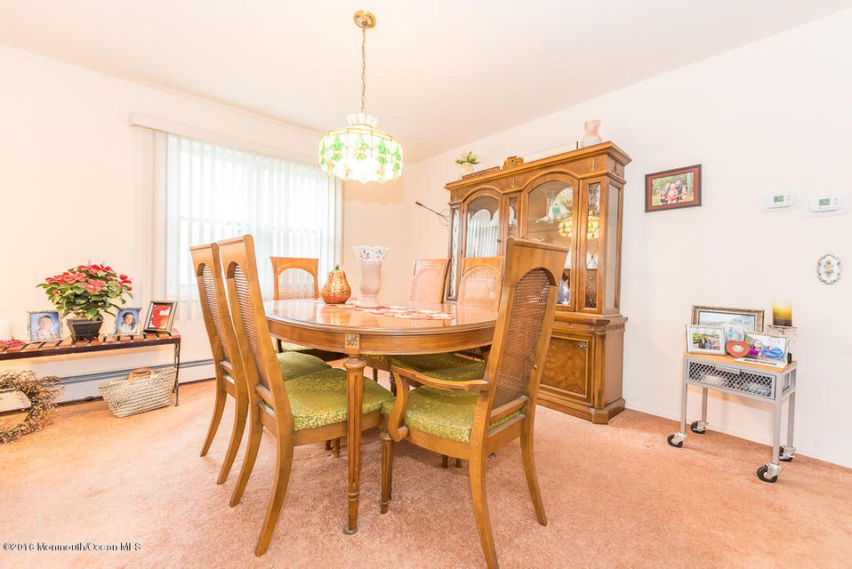 Additional photo for property listing at 72 Innsbruck Drive  Toms River, New Jersey 08757 United States
