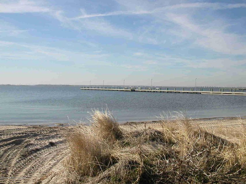 Additional photo for property listing at Bayview Avenue  South Seaside Park, New Jersey 08752 États-Unis