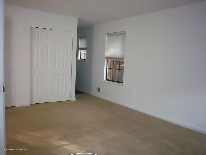 Additional photo for property listing at 23 Atlantis Terrace  Freehold, Nueva Jersey 07728 Estados Unidos