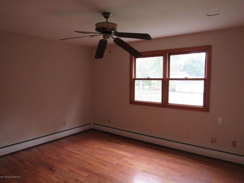 Additional photo for property listing at 3 Hauser Street  Middletown, New Jersey 07748 États-Unis