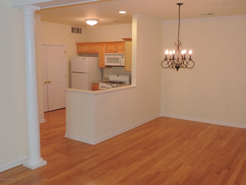Additional photo for property listing at 125 Sophee Lane  Lakewood, New Jersey 08701 United States