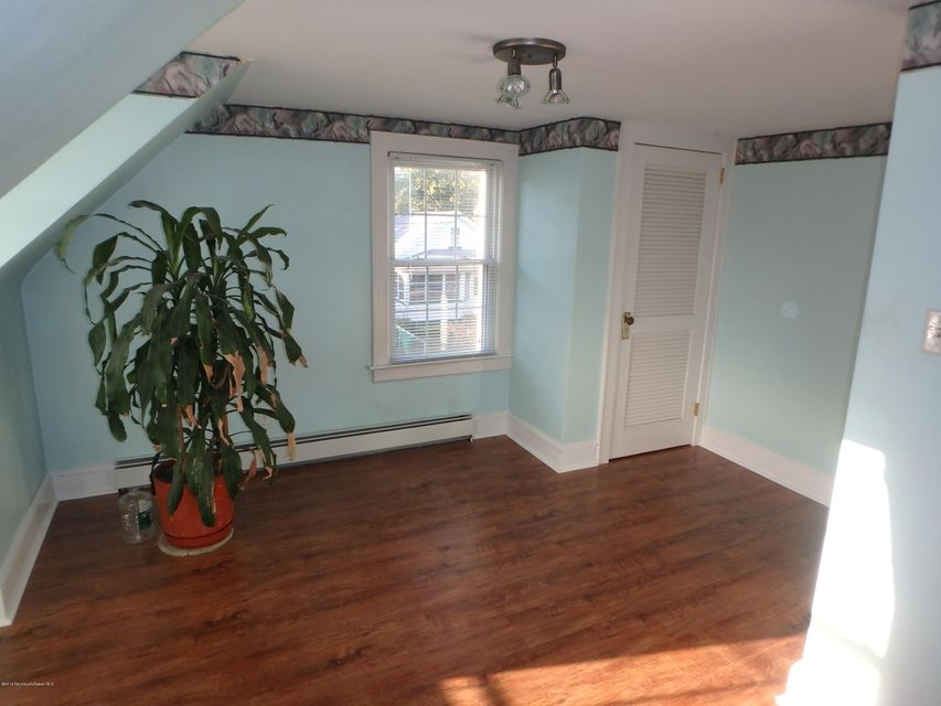 Additional photo for property listing at 24 Orchard Street  Keyport, New Jersey 07735 États-Unis