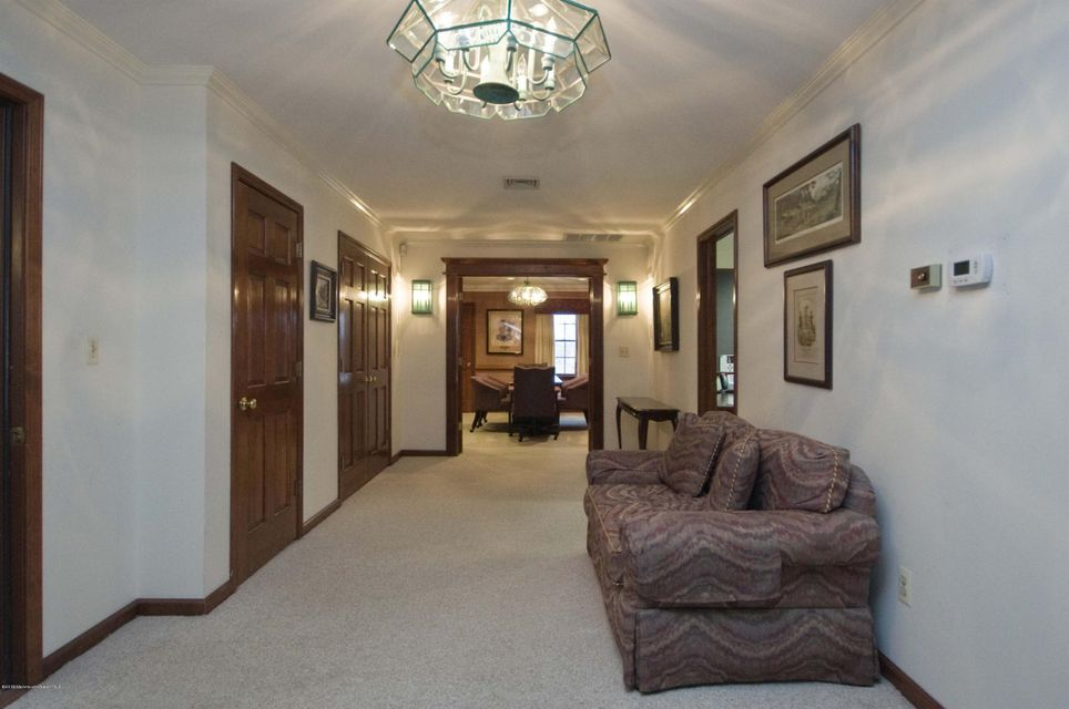 Additional photo for property listing at 600 Warren Avenue  Spring Lake Heights, New Jersey 07762 États-Unis