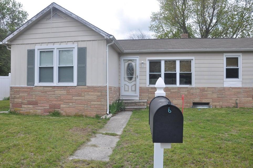 Maison unifamiliale pour l Vente à 37 Oakford Avenue New Egypt, New Jersey 08533 États-Unis
