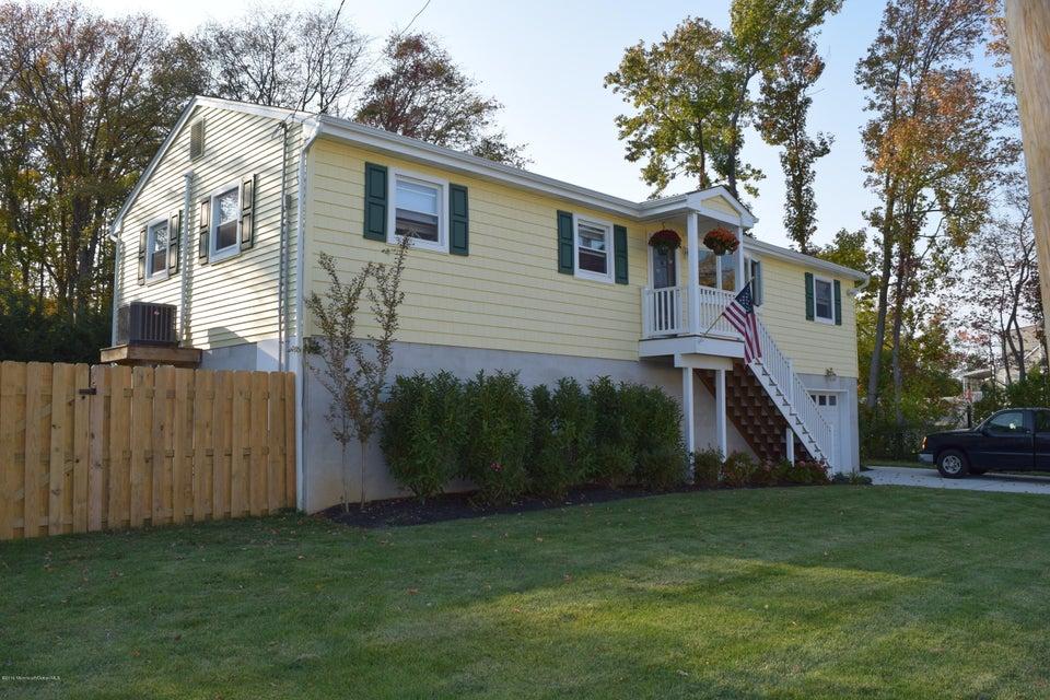 Maison unifamiliale pour l Vente à 15 1st Avenue Middletown, New Jersey 07748 États-Unis