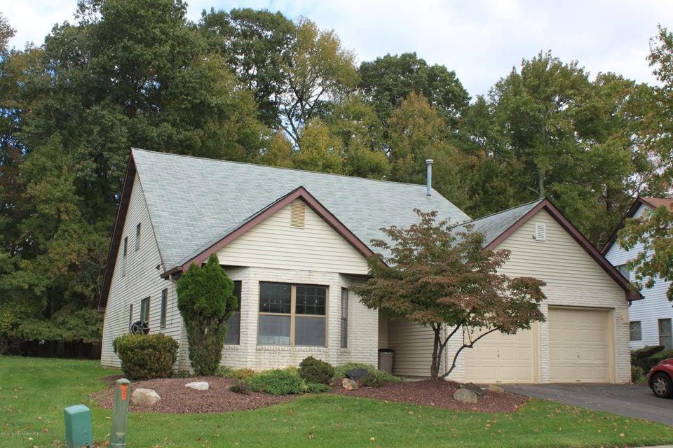 Casa Unifamiliar por un Venta en 108 Murray Hill Terrace Marlboro, Nueva Jersey 07746 Estados Unidos