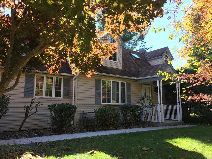 Maison unifamiliale pour l à louer à 333 Union Hill Road Manalapan, New Jersey 07726 États-Unis
