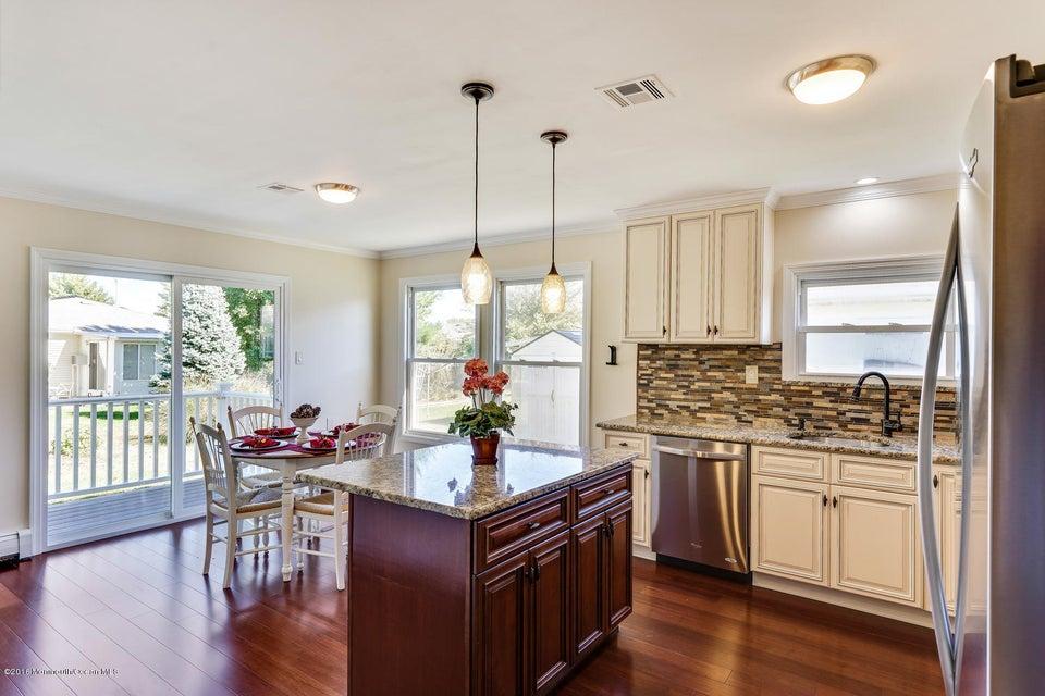 Casa Unifamiliar por un Venta en 66 Bonaire Drive Toms River, Nueva Jersey 08757 Estados Unidos