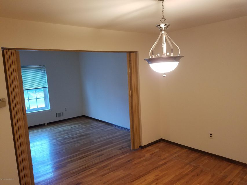 Additional photo for property listing at 415 Main Street  North Middletown, New Jersey 07748 États-Unis