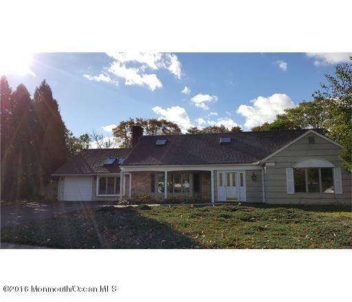 Additional photo for property listing at 10 Italic Place  Matawan, New Jersey 07747 États-Unis