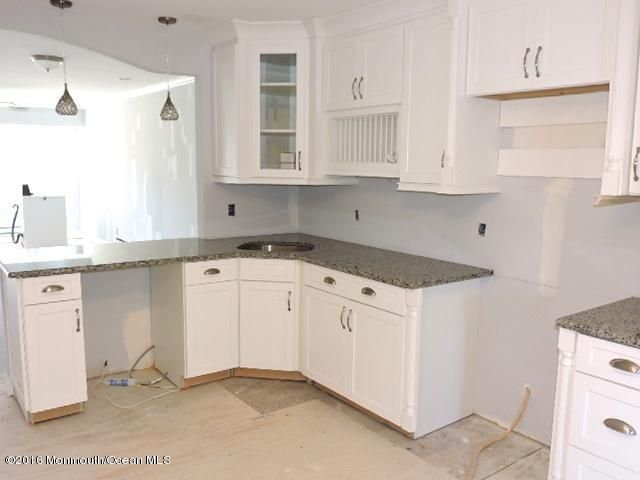 Additional photo for property listing at 86 Jamestown Road  Freehold, New Jersey 07728 United States