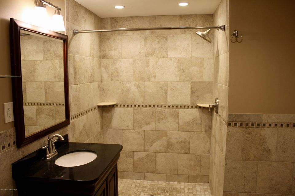 Additional photo for property listing at 2401 Lincoln Avenue  Belmar, New Jersey 07719 États-Unis