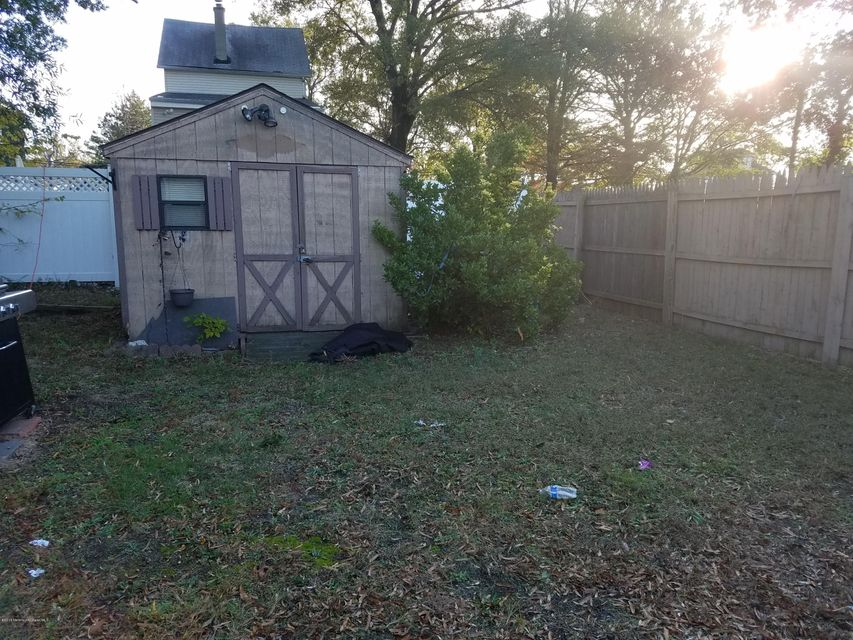 Additional photo for property listing at 10 1/2 Center Avenue  Keansburg, New Jersey 07734 United States