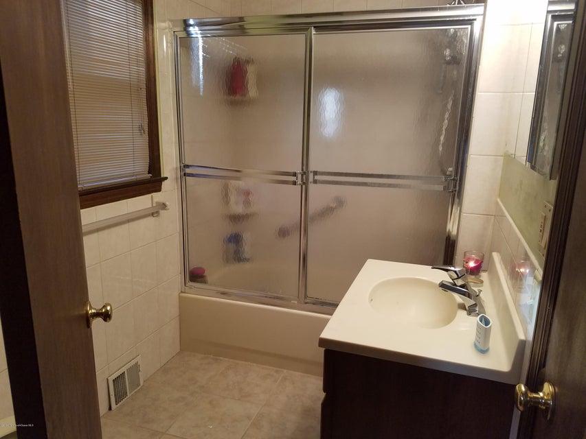 Additional photo for property listing at 10 12 Center Avenue  Keansburg, Nueva Jersey 07734 Estados Unidos