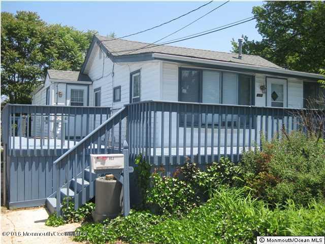 Maison unifamiliale pour l Vente à 853 Prospect Avenue Cliffwood Beach, New Jersey 07735 États-Unis