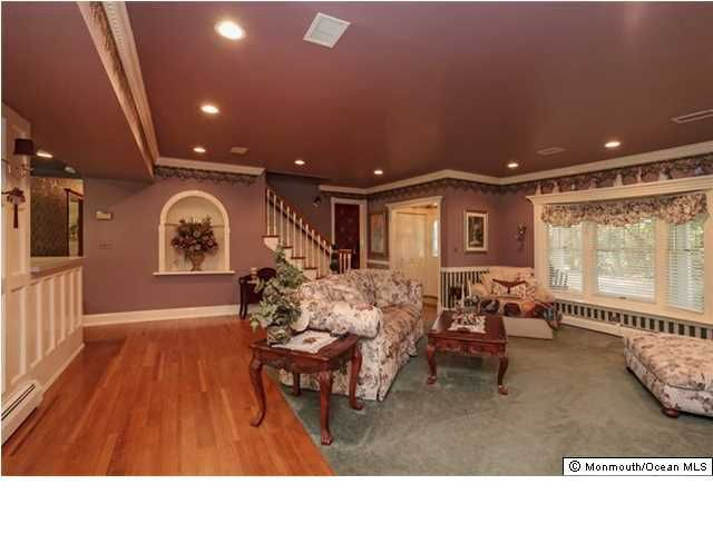 Additional photo for property listing at 848 Yardville Allentown Road  Yardville, 新泽西州 08620 美国